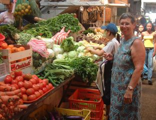 Jan in the bustling Colon market