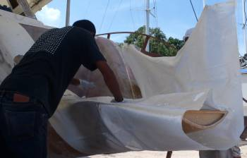 Glassing in the starboard transom extension